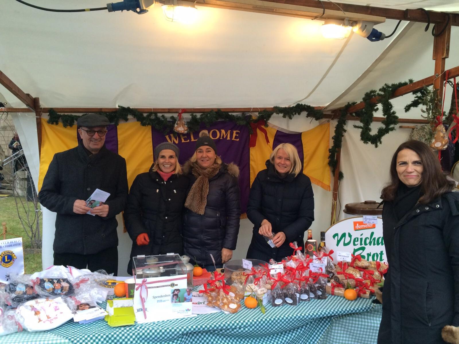 Lionsdamenclub Sophie Charlotte auf dem Weihnachtsmarkt ...